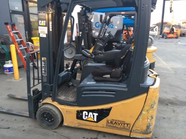 CAT SKID STEER SWEEPER 0